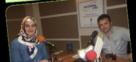 """Halk Edebiyatı Dergisi Genel Yayın Yönetmeni Hikâyeci-Yazar Şenol Tombaş 01 Ağustos Cumartesi Saat 12.05'de Moral FM, """"Mavi Dünya"""" programında Tuğba Akbey İnan'ın konuğu olacak."""