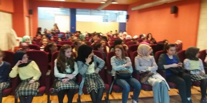 Yazarlar Okula Projesi Kapsamında Hikâyeci-Yazar Şenol Tombaş Kaptanpaşa İmam Hatip Ortaokulu'ndaydı.